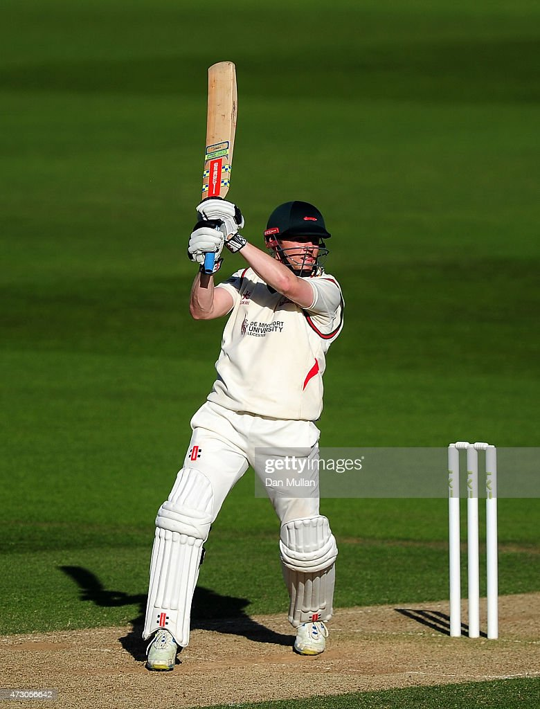 Surrey v Leicestershire - LV County Championship - Division Two