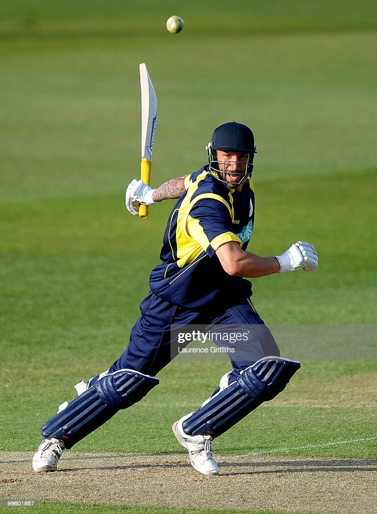 Nottinghamshire v Hampshire - Clydesbank Bank 40