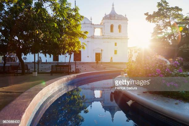 nicaragua, leon, our lady of grace cathedral at sunrise - nicaragua stockfoto's en -beelden