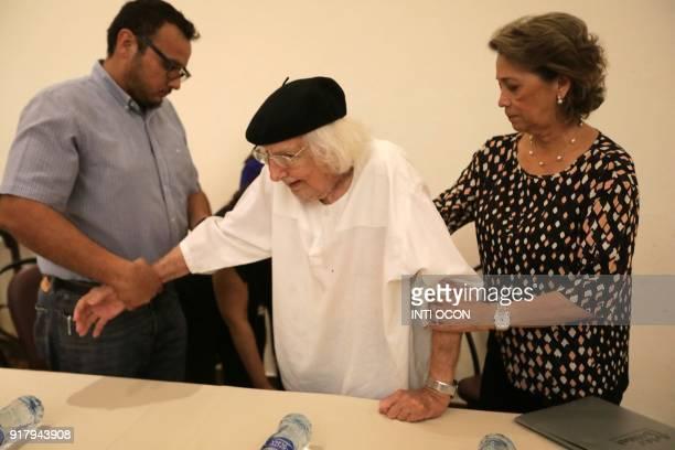 Nicaraguan poet and Priest Ernesto Cardenal arrives to present his book Así en el cielo como en la tierra in Granada some 45km from Managua on...