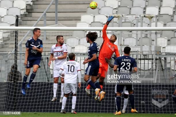Nice's Argentinian goalkeeper Walter Benitez is seen in action during the French L1 football match between Bordeaux and Nice on September 27, 2020 at...