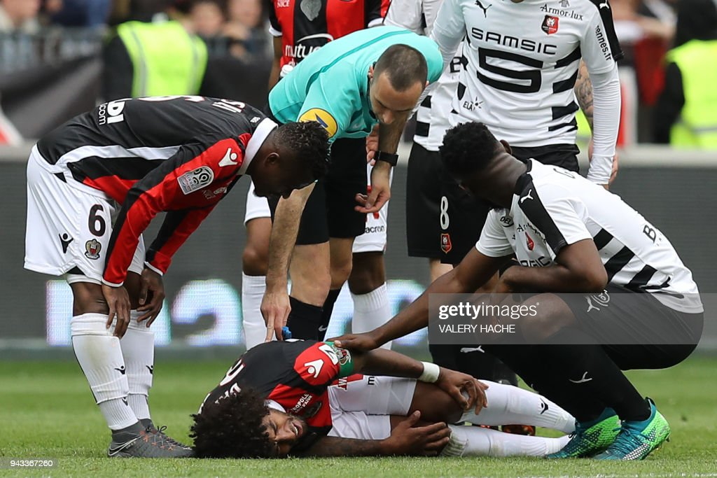 Nice's Brazilian defender Dante reacts during the French L1 football match Nice vs Rennes on April 8, 2018 at the 'Allianz Riviera' stadium in Nice, southeastern France. /