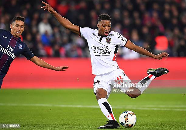 Nice's French forward Alassane Plea scores a goal during the French L1 football match between Paris SaintGermain and Nice at the Parc des Princes...