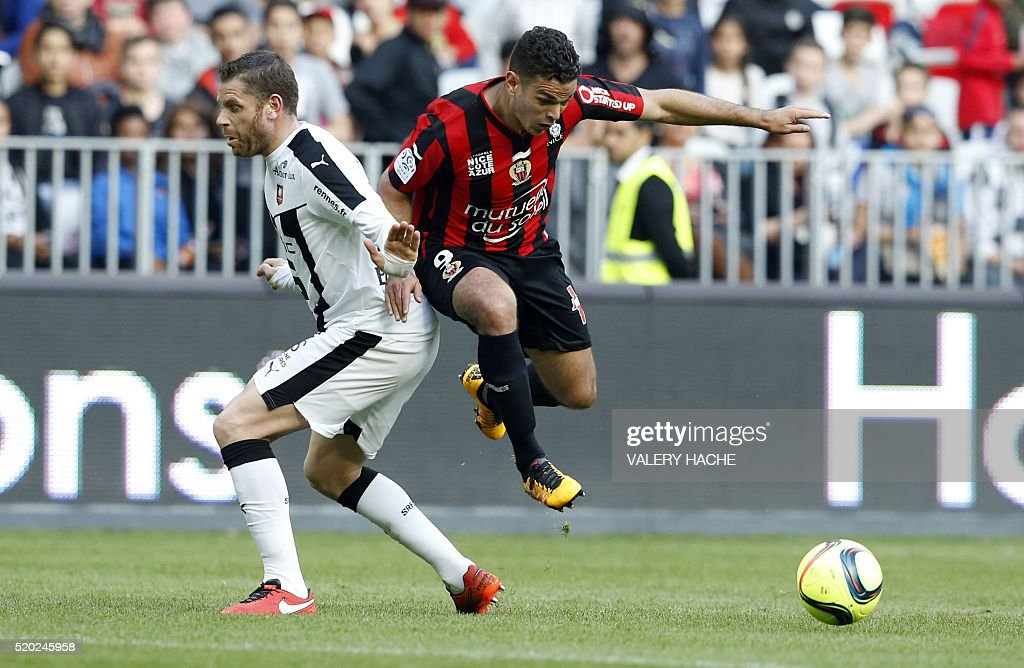 FBL-FRA-LIGUE1-NICE-RENNES : News Photo