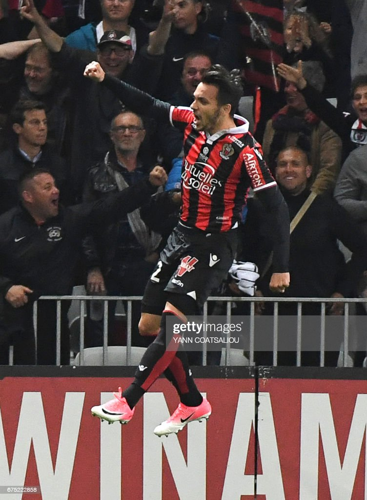 Nice's Greek forward Anastasios Donis celebrates after scoring the team's third goal during the French L1 football match Nice (OGCN) vs Paris Saint Germain (PSG) on April 30, 2017 at the 'Allianz Riviera' stadium in Nice, southeastern France. / AFP PHOTO / Yann COATSALIOU