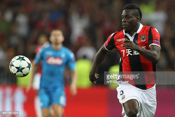 Nice's Italian forward Mario Balotelli controls the ball during the UEFA Champions League playoff football match between Nice and Napoli at the...