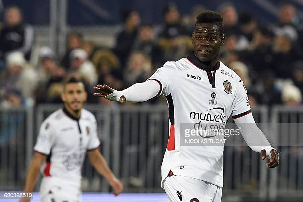Nice's Italian forward Mario Balotelli gesturesduring the French Ligue 1 football match between Bordeaux and Nice on December 21 2016 at the Matmut...