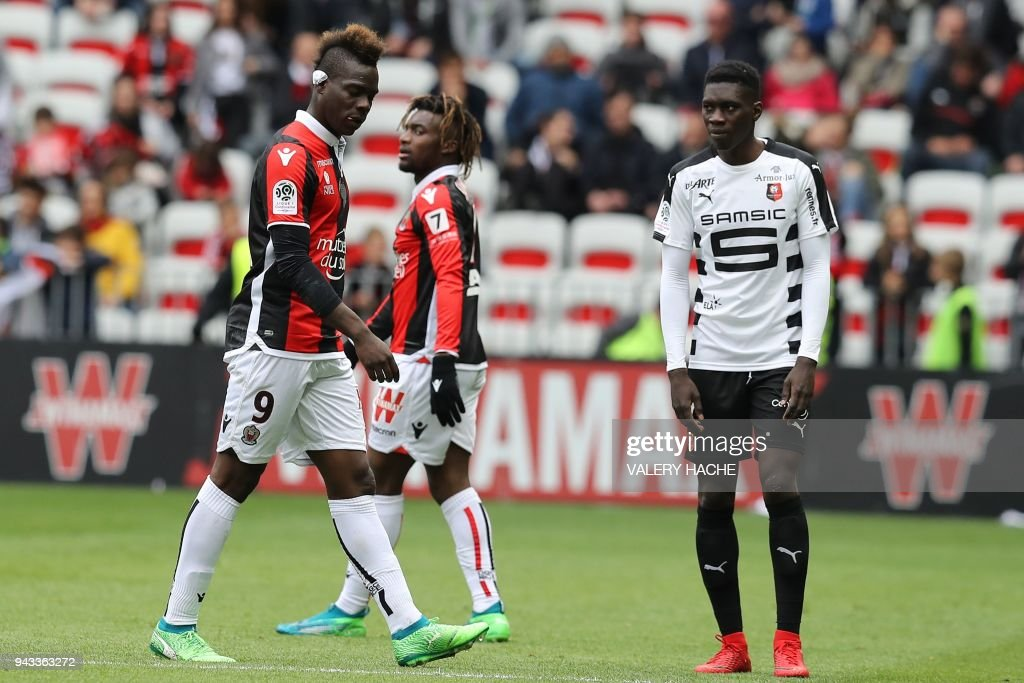 Nice's Italian forward Mario Balotelli leaves the pitch during the French L1 football match Nice vs Rennes on April 8, 2018 at the 'Allianz Riviera' stadium in Nice, southeastern France. /