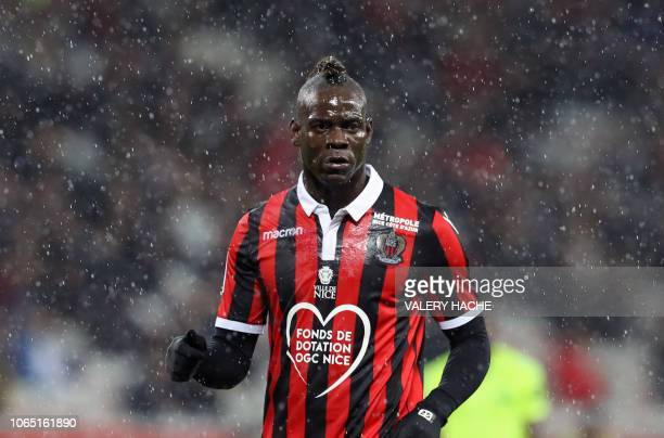 Nice's Italian forward Mario Balotelli reacts during the French L1 football match between Nice and Lille at The Allianz Riviera Stadium in Nice...