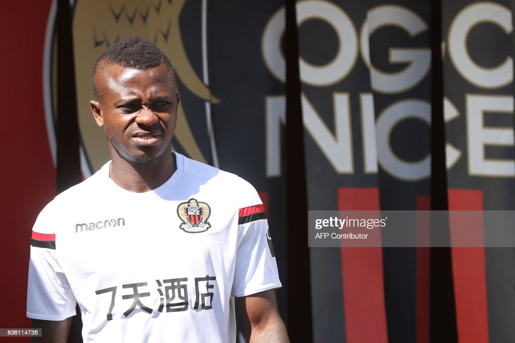Nice's Ivorian midfielder Jean Michael Seri arrives to attend a training session on the eve of the UEFA Champions League football match between Nice and Naples on August 21, 2017 at the Allianz Riviera stadium in Nice, southeastern France. /