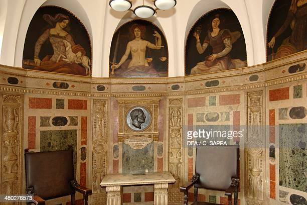 Niche decorated with a polychrome marble panelling interior of the Rathaus built in 1410 Marktplatz Bremen Germany