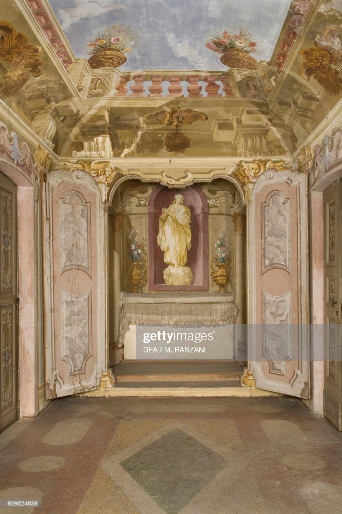 Niche with saint, chapel, Villa Arconati, Lombardy Pictures | Getty ...