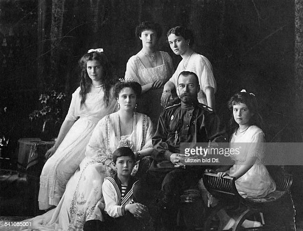 Nicholas II of Russia*18061868Czar of Russia 18941917 with Czarina Alexandra and their children Marija Alexej Tatjana Olga und Anastasia 1913...