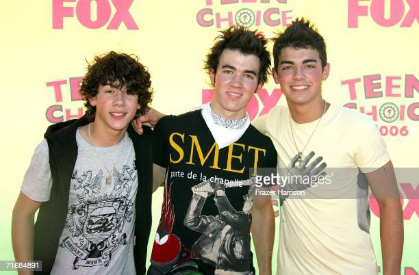 Nicholas Jonas Kevin Jonas and Joseph Jonas of The Jonas Brothers arrive at the 8th Annual Teen Choice Awards at the Gibson Amphitheatre on August 20...