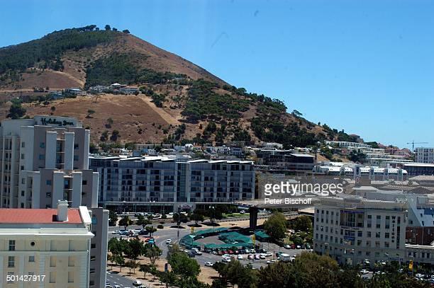 Nicht zu Ende gebaute Autobahn Kapstadt Südafrika Afrika Stadt Berg Reise BB DIG PNr 240/2006