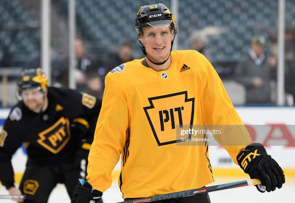 pretty nice 265d3 6162a Nick Bjugstad of the Pittsburgh Penguins attends practice ...