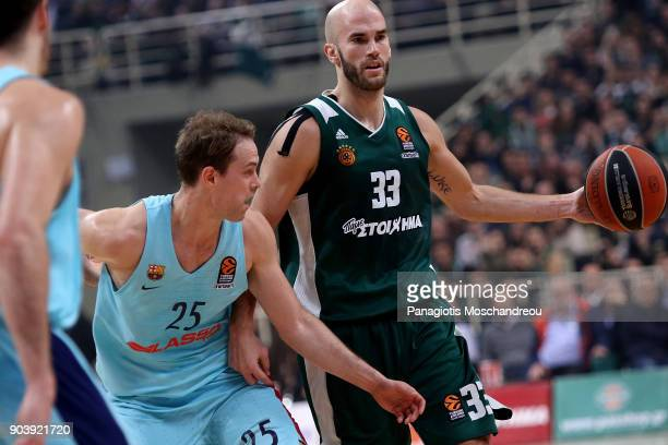 Nick Calathes #33 of Panathinaikos Superfoods Athens competes with Petteri Koponen #25 of FC Barcelona Lassa during the 2017/2018 Turkish Airlines...
