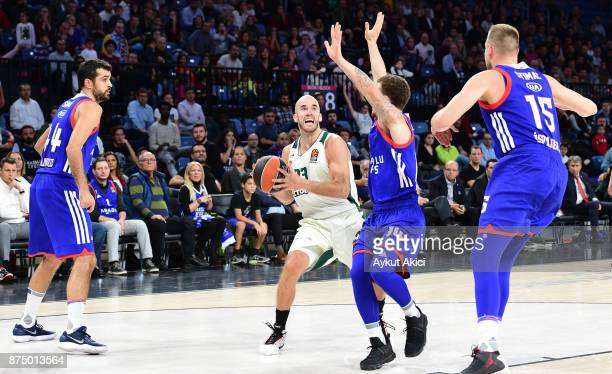 Nick Calathes #33 of Panathinaikos Superfoods Athens in action during the 2017/2018 Turkish Airlines EuroLeague Regular Season Round 8 game between...
