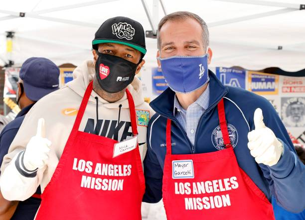 CA: Los Angeles Mission Serves Easter Meal To The Homeless