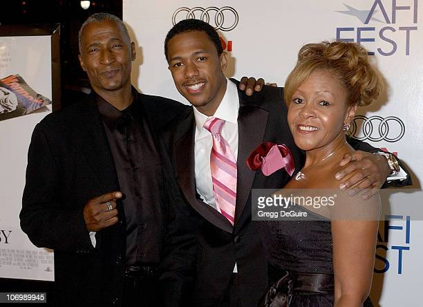 Nick Cannon Dad and Mom during AFI Fest 2006 Black Tie Opening Night Gala and US Premiere of Emilio Estevez's Bobby Arrivals in Los Angeles...