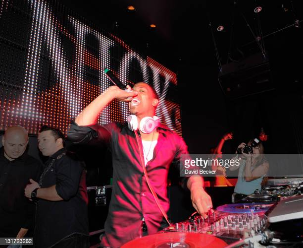 Nick Cannon performs at the Chateau Nightclub & Gardens at the Paris Las Vegas on April 2, 2011 in Las Vegas, Nevada.