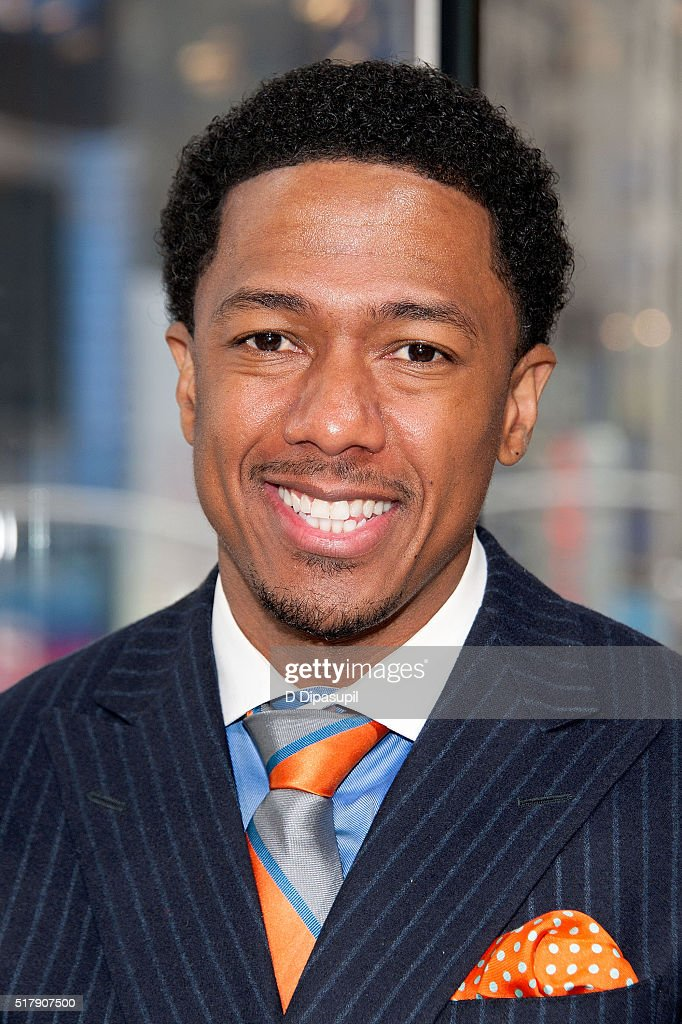 "Nick Cannon Visits ""Extra"""