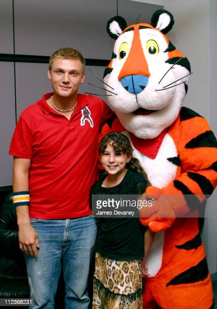Nick Carter Hallie Kate Eisenberg and Tony the Tiger