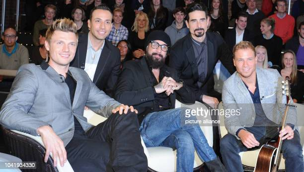 Nick Carter Howie Dorough AJ McLean Kevin Richardson and Brian Littrell from the US music group Backstreet Boys poses during the taping of the...