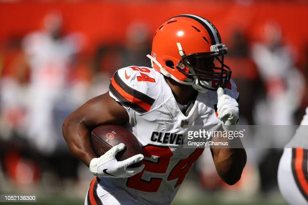 Nick Chubb of the Cleveland Browns runs the ball in the first half against the Los Angeles Chargers at FirstEnergy Stadium on October 14 2018 in...