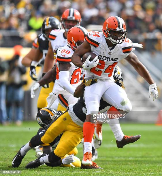 Nick Chubb of the Cleveland Browns rushes the ball against the Pittsburgh Steelers during the first half in the game at Heinz Field on October 28...