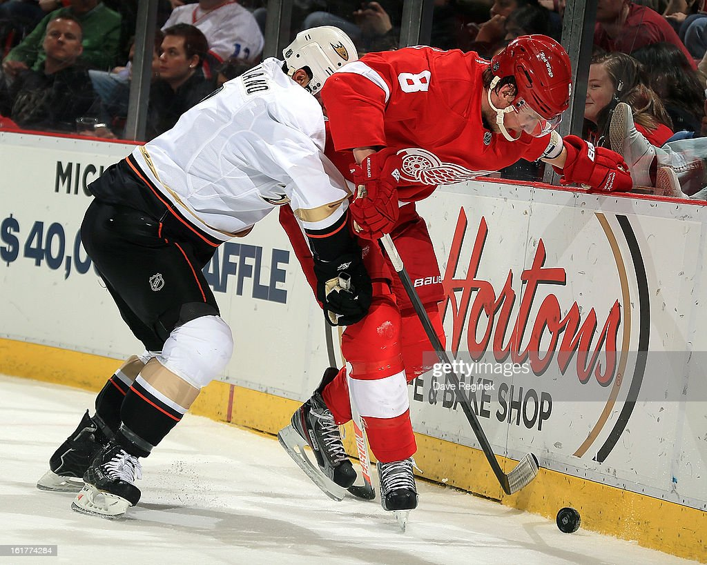 Anaheim Ducks v Detroit Red Wings