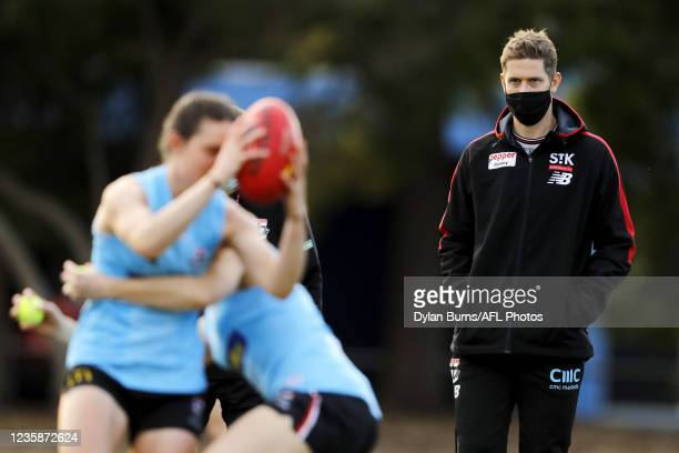 Nick Dal Santo, Senior Coach of the Saints looks on during the St Kilda training session at RSEA Park on October 14, 2021 in Melbourne, Australia.