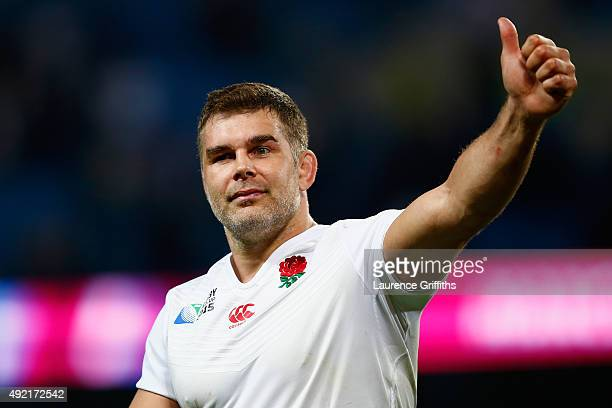 Nick Easter of England applauds the crowd during the 2015 Rugby World Cup Pool A match between England and Uruguay at Manchester City Stadium on...