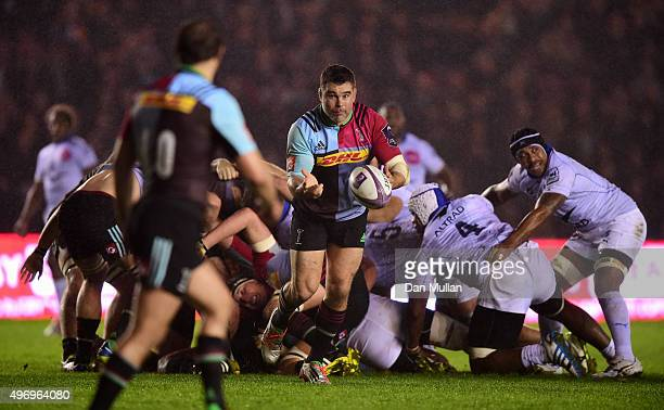 Nick Easter of Harlequins releases a pass towards Nick Evans of Harlequins during the European Rugby Challenge Cup Pool 3 match between Harlequins...