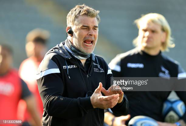 Nick Easter, the Newcastle Falcons defence coach shouts instrucduring the Gallagher Premiership Rugby match between Newcastle Falcons and Bristol...