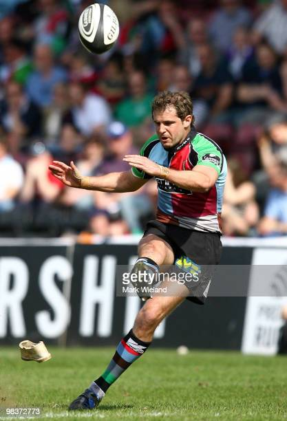Nick Evans of Harlequins kicks a penalty during the Guinness Premiership match between Harlequins and Leeds Carnegie at The Stoop on April 10 2010 in...