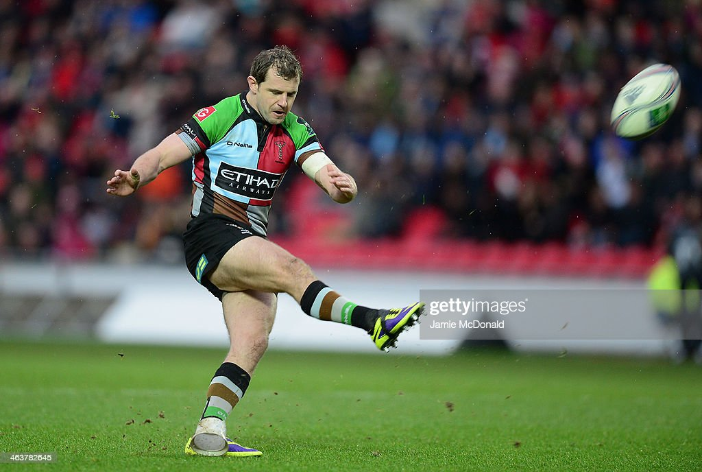 Nick Evans of Harlequins kicks a penalty during the Heineken Cup Pool 4 match between Scarlets and Harlequins at Parc y Scarlets on January 19, 2014 in Llanelli, Wales.