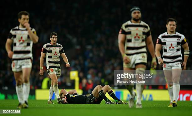 Nick Evans of Harlequins reacts after failing to score a late drop goal during the Aviva Premiership Big Game 8 match between Harlequins and...