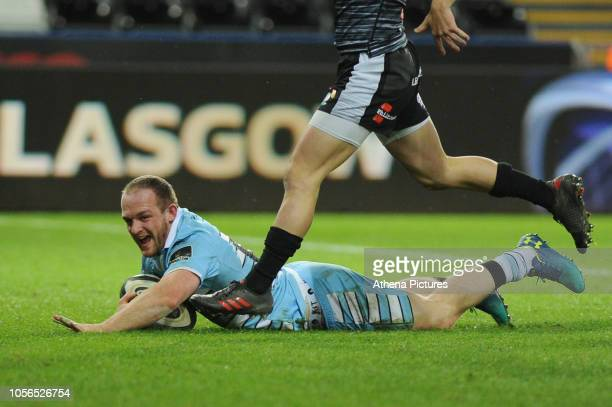 Nick Grigg of Glasgow Warriors scores his sides fourth try during the Guinness Pro14 Round 8 match between the Ospreys and Glasgow Warriors at the...