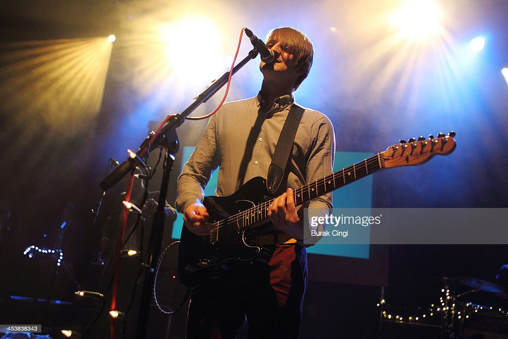The Leisure Society Perform At Shepherds Bush Empire In London : Nachrichtenfoto