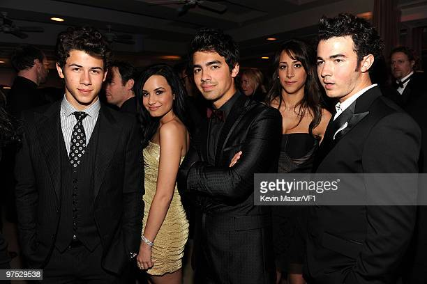 WEST HOLLYWOOD CA MARCH 07 *EXCLUSIVE* Nick Jonas Joe Jonas Danielle Jonas and Kevin Jonas attends the 2010 Vanity Fair Oscar Party hosted by Graydon...