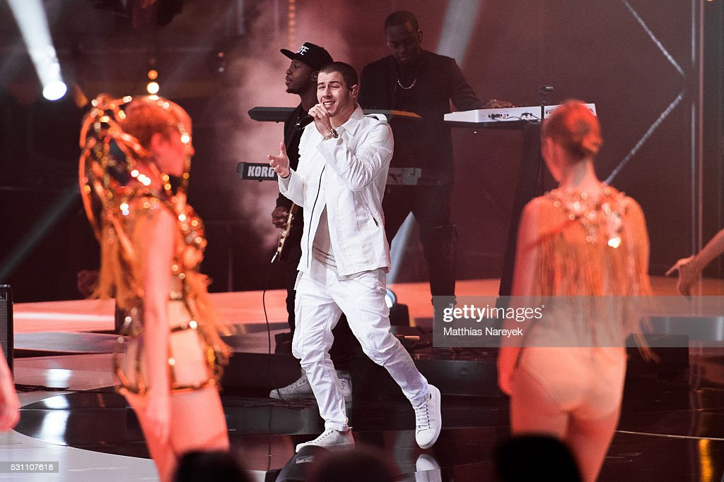 Nick Jonas performs during the finals of 'Germany's Next Topmodel' at Coliseo Balear on May 12, 2016 in Palma de Mallorca, Spain.