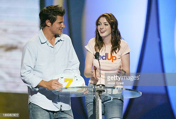 Nick Lachey and Anne Hathaway during The 2004 Teen Choice Awards Show at Universal Amphitheatre in Universal City California United States