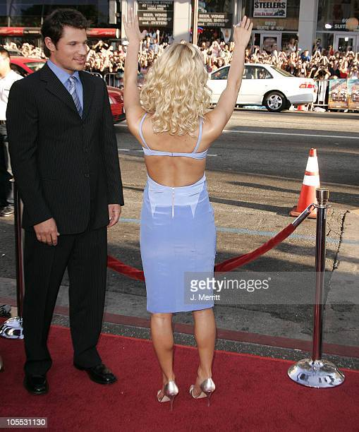 "Nick Lachey and Jessica Simpson during ""The Dukes Of Hazzard"" Los Angeles Premiere - Arrivals at Grauman's Chinese Theatre in Hollywood, California,..."