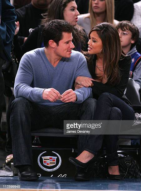 Nick Lachey and Vanessa Minnillo during Celebrities Attend LA Lakers vs New York Knicks Game January 30 2007 at Madison Square Garden in New York...
