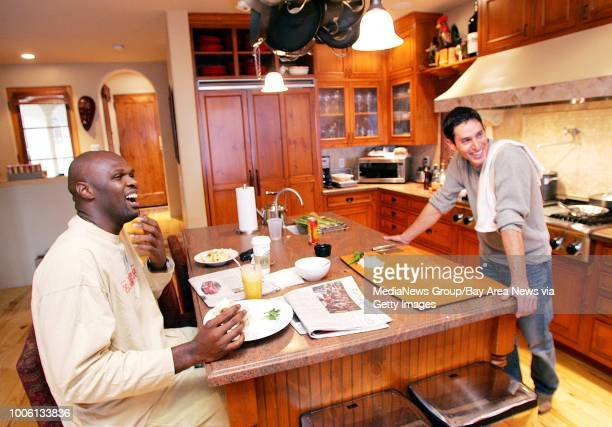 Nick Lammers/staff 1/13/06 Tribune Cue#13At his home Warriors big man Adonal Foyle has breakfast prepared by his personal chef Malcom Kegel