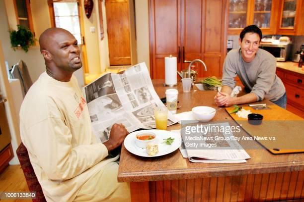Nick Lammers/staff 1/13/06 Tribune Cue#13At his home Warriors big man Adonal Foyle has breakfast prepared by his personal chef Malcom Kegel