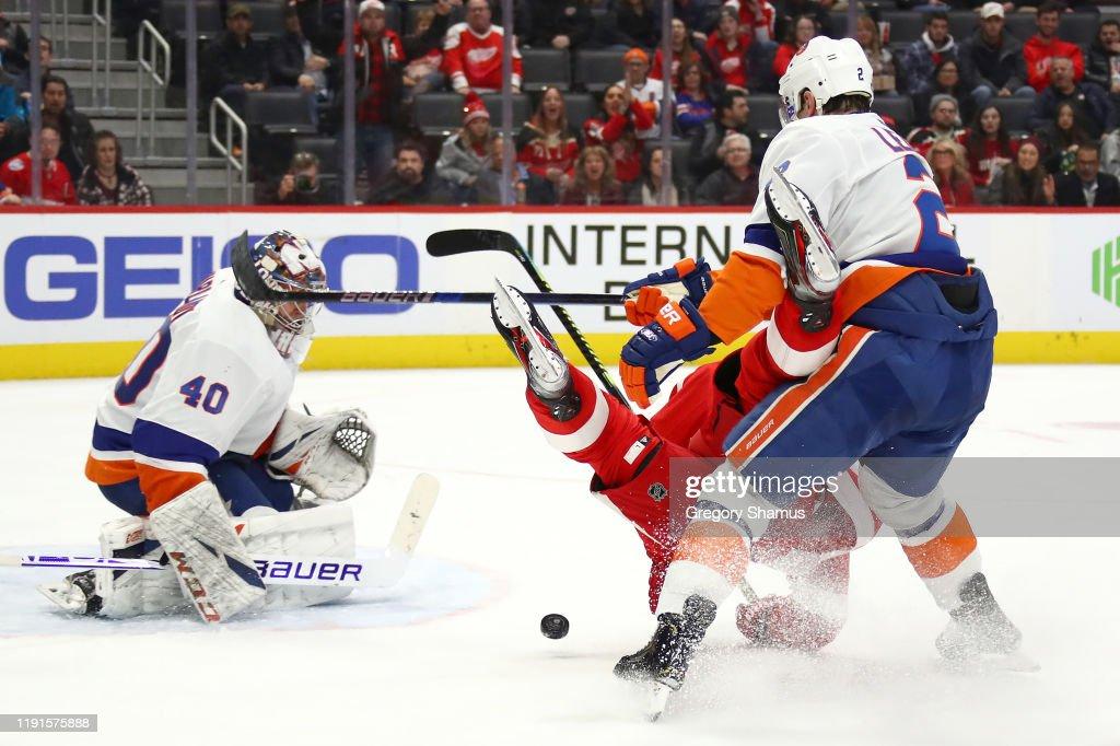 New York Islanders v Detroit Red Wings : News Photo