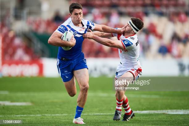 Nick Meaney of the Bulldogs makes a break during the round 10 NRL match between the St George Illawarra Dragons and the Canterbury Bulldogs at WIN...