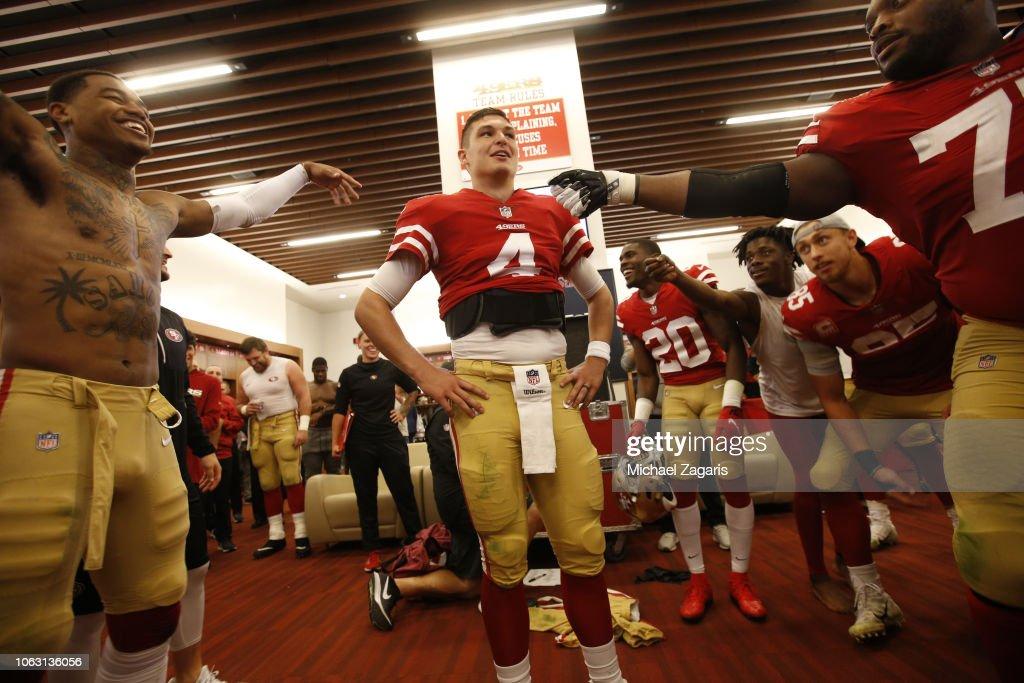 Oakland Raiders v San Francisco 49ers : News Photo